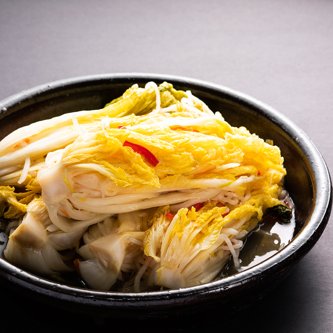 Non-Spicy Kimchi (백김치)
