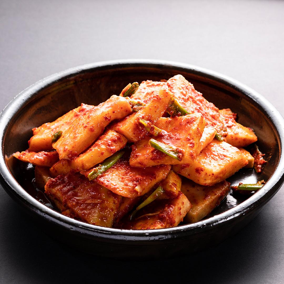 Sliced Radish Kimchi (섞박지)
